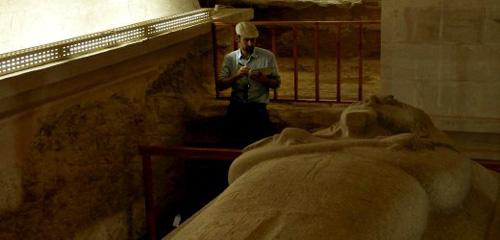 riesen-sarkophag