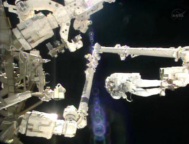 astronautenanzug-defekt