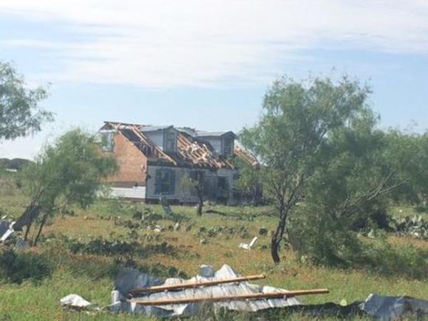 tornado-haus-amerika-aufgesaugt2