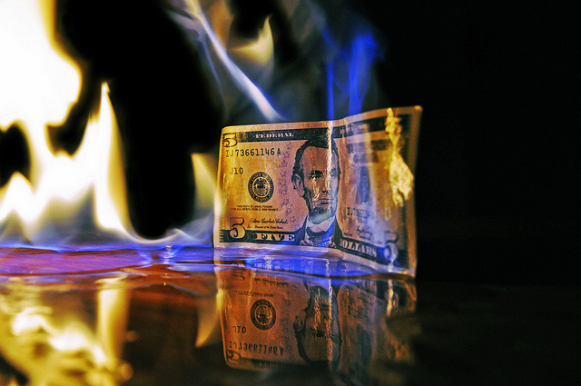 dollar-brennt