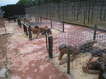 Stripped nackt gesucht gefoltert bdsm