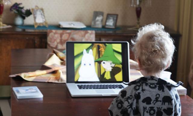 kinder-gesundheit-fernsehen-tablet
